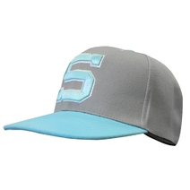 Baseball cap with turquoise S
