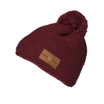 Knitted Beanie in burgundy color with leather label
